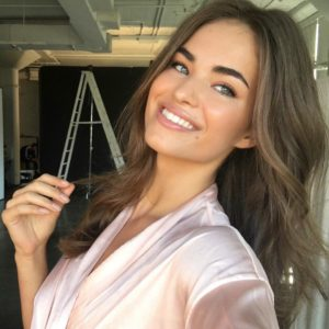 Robin Holzken Hot Selfie 300x300 - Olya Abramovich Net Worth, Pics, Wallpapers, Career and Biograph